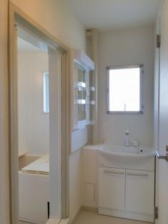 6.【白の内装】洗面室